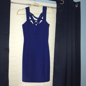 NWOT Guess size 4 dress with side zipper